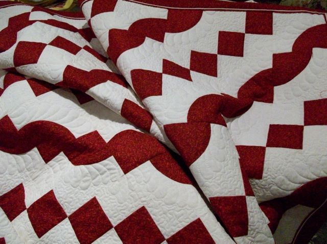 Red and White Quilts (2/3)