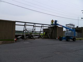 Flood Gates Go Up!  Paducah is Topsy-Turvy (1/2)